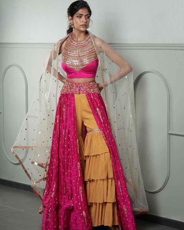 This lehenga looks so different and pretty! - 1