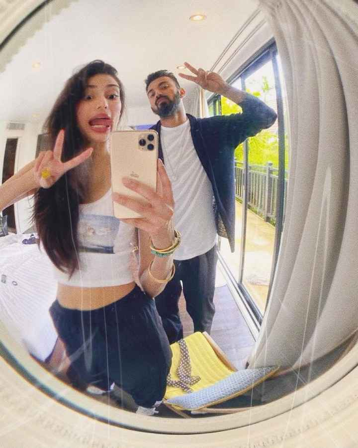 i love how Athiya Shetty and Klrahul Keep Up With Each Other 😍 - 1