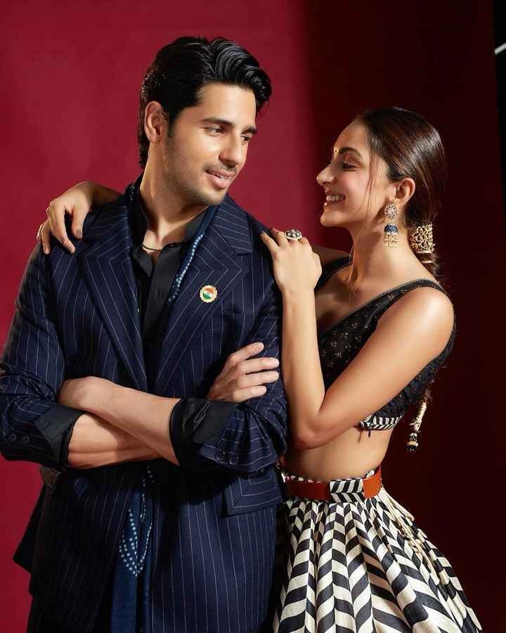i love the on-screen and off-screen chemistry between Kiara and Siddharth! - 1