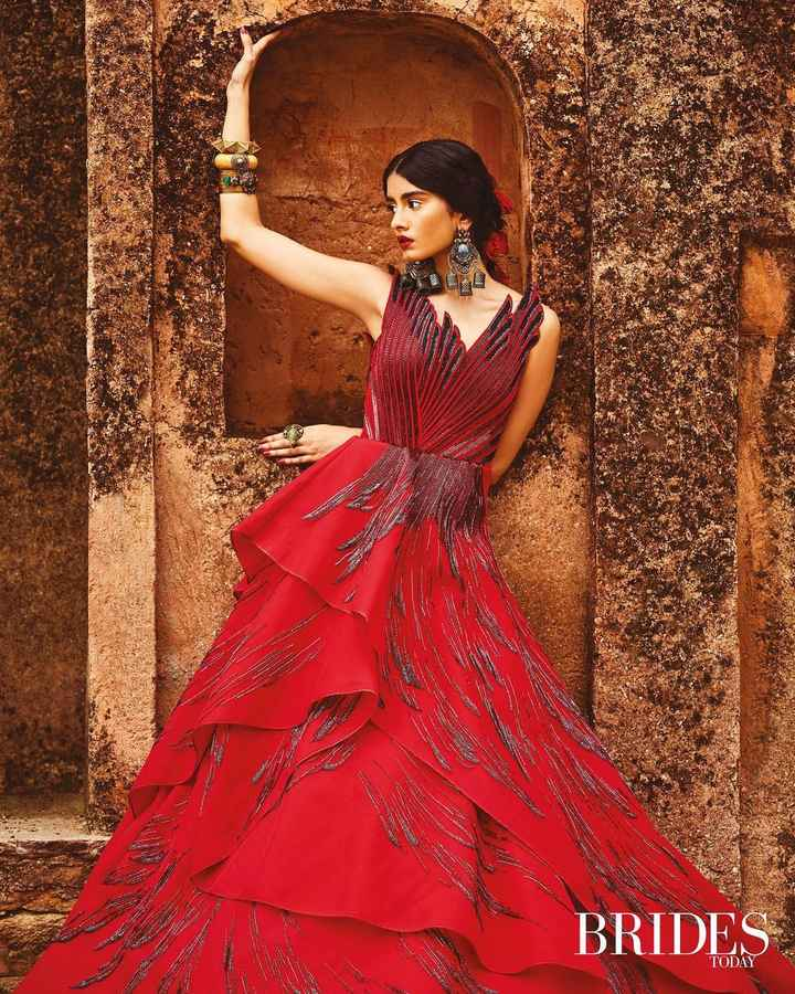 This cascading red gown is Gorggg!! - 1