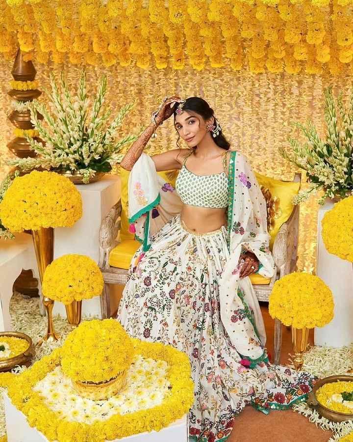 Juhi Godambe's printed lehenga and Marigold decor look gorgeous! - 1