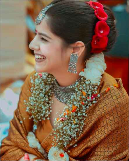 This bride is slaying with her sliver jewellery!! - 1