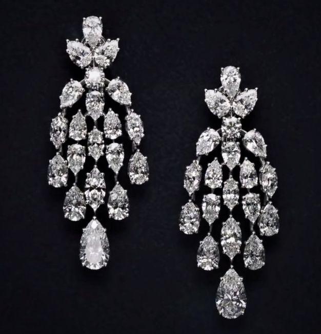 Looking for heavy diamond earrings! - 1
