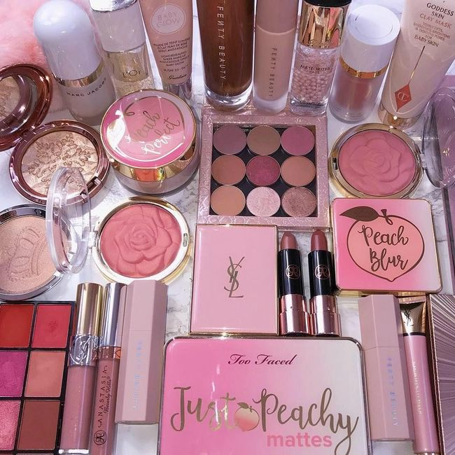 Heaven for a makeup lover! 💗 1