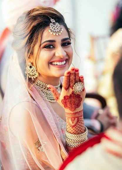 a smile is the most beautiful accessory that a bride can wear! - 1