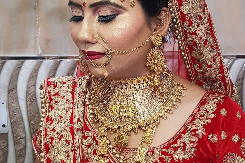 Sumit Beauty Parlour & Cosmetics