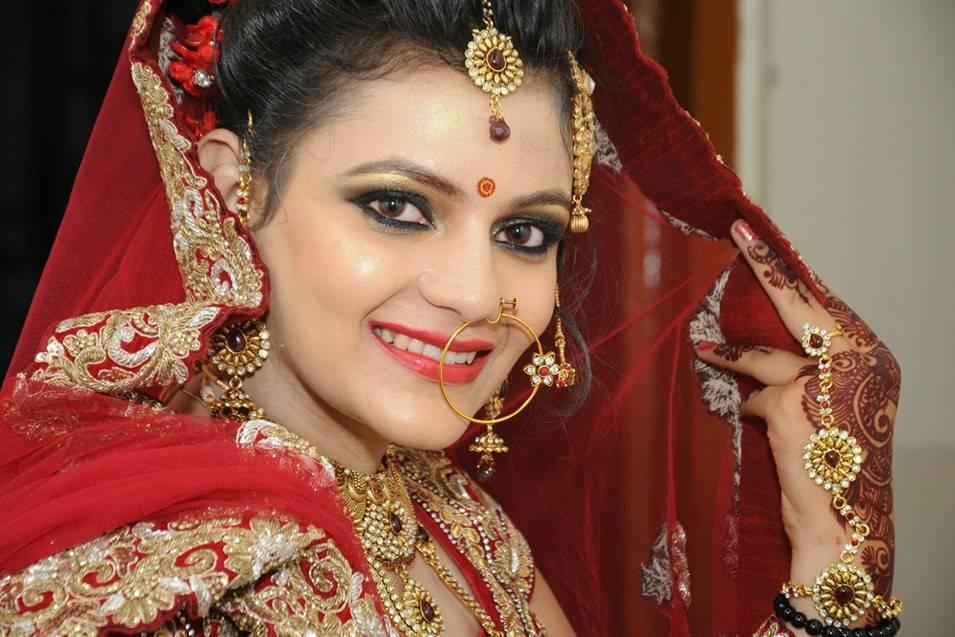Sakshi Thadani Makeup Artist