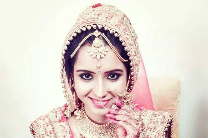 Ankita Ahuja - Makeup Artist & Hair Stylist