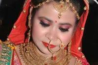 Professional Makeup Artist Bhavya, Faridabad