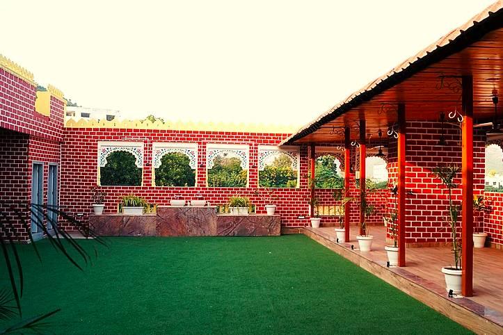 Hotel Spring Sky, Udaipur
