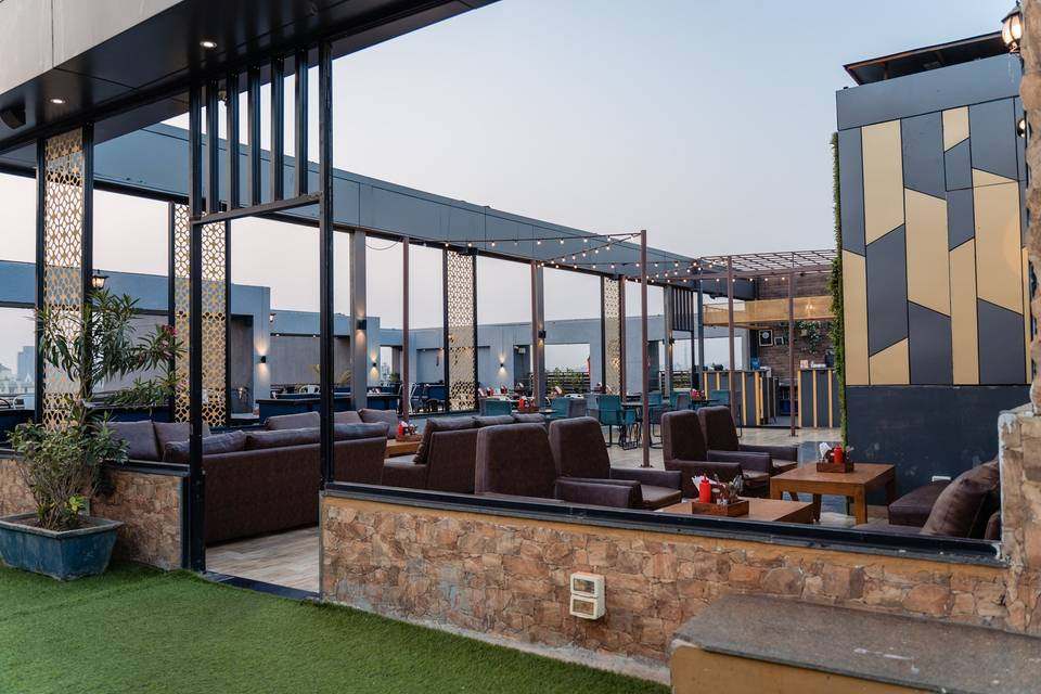 Makeba The Lounge Cafe