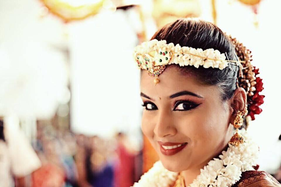 Anush Ali's Makeup Artistry