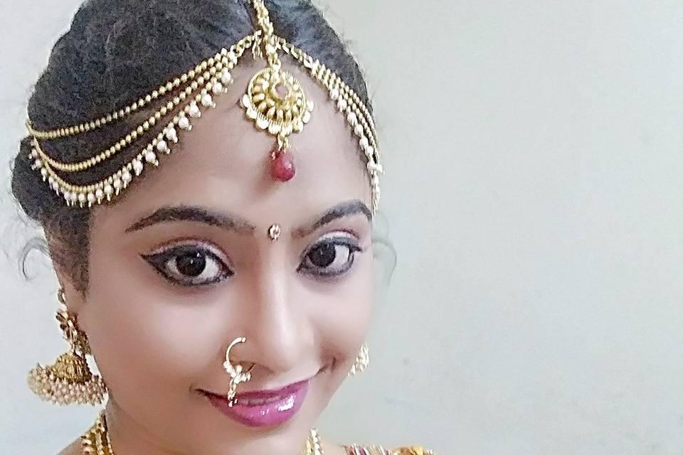 Shrutipa Makeup
