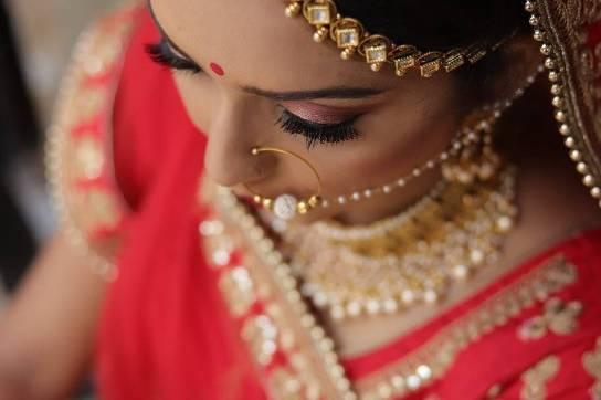 Deepika Majgaonkar Makeup Artist