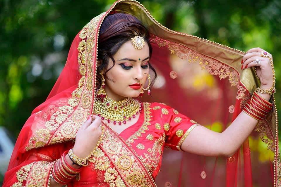 Evince Beauty & Makeup Studio, SDM Road, Gwalior