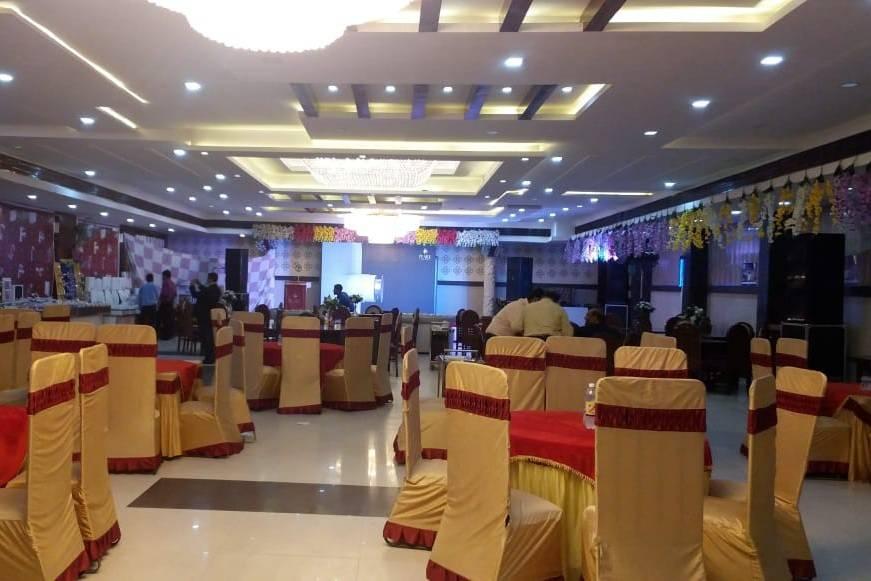 Hotel Mukut Mahal