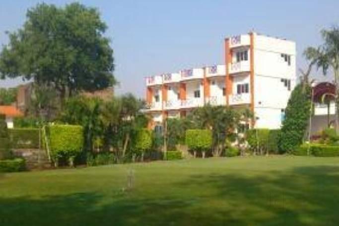 Parinay Upwan, Meerut