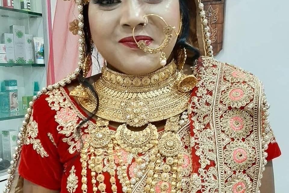 Beauty Parlour By Geetu Verma