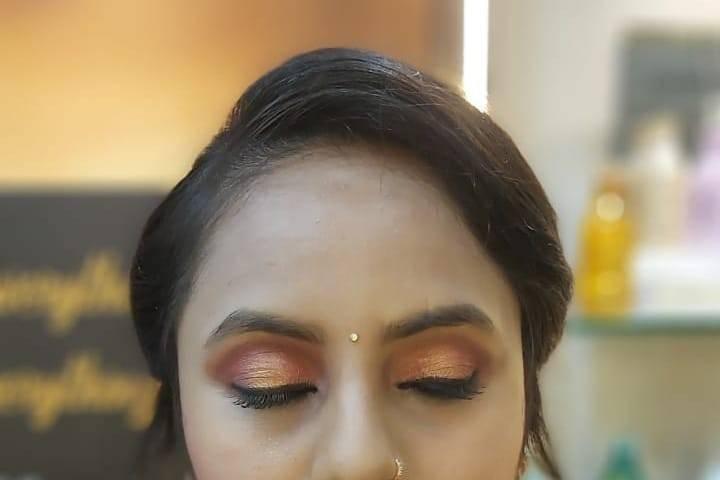 Vaibhav Beauty Salon, Subhanpur