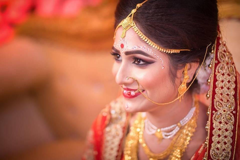 Candid Wedding Photography By Supriya Laha