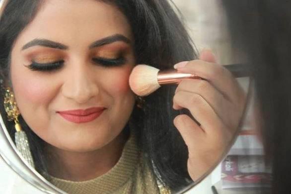 Kirti Sinha Makeovers